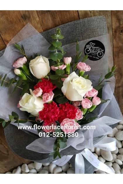 Carnation Hand Bouquet 007