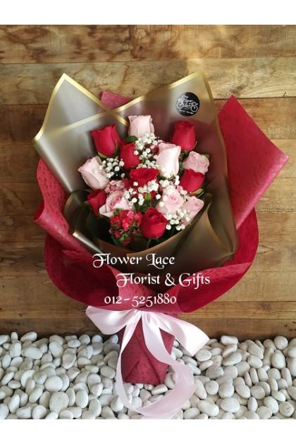 Rose Hand Bouquet 021