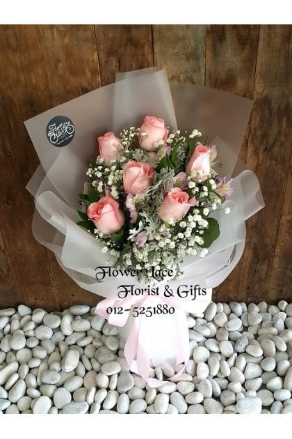 Rose Hand Bouquet 128